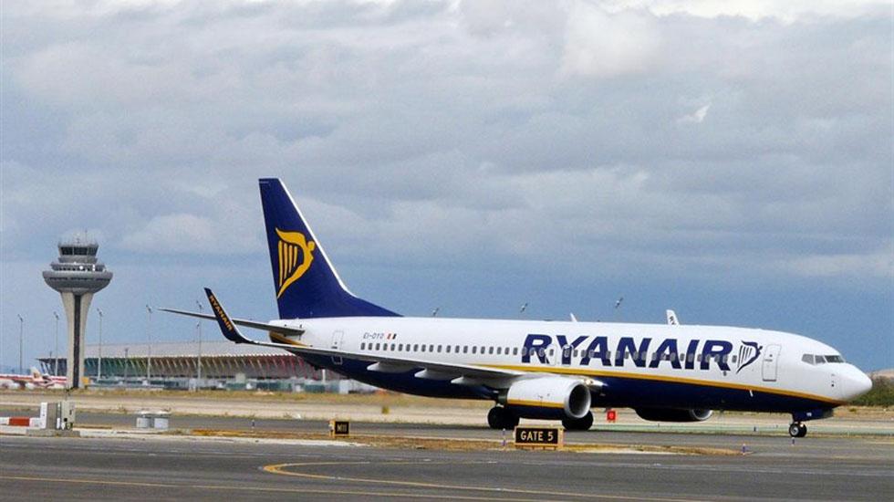 Ryanair reclutar en oviedo a nuevos tripulantes de cabina - Cabina ryanair ...