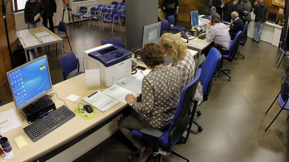 Oviedo presume de nueva oficina de recaudaci n for Oficinas liberbank oviedo