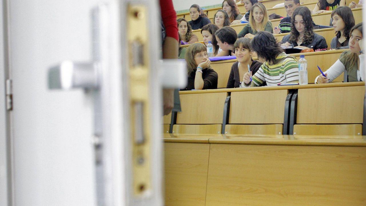 Una profesora acusada de falsear su trabajo en la usc se for Trabajo cocina asturias