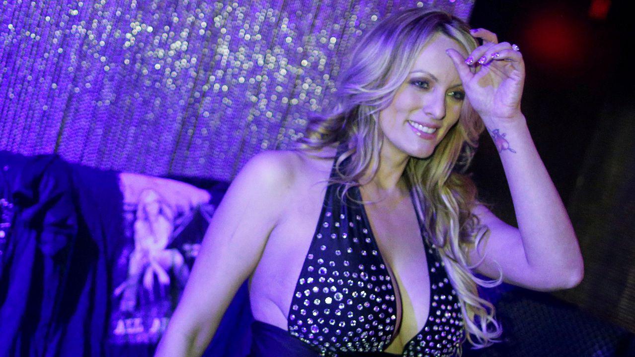 Actriz Porno Multa ahora es trump el que demanda a la actriz porno stormy daniels