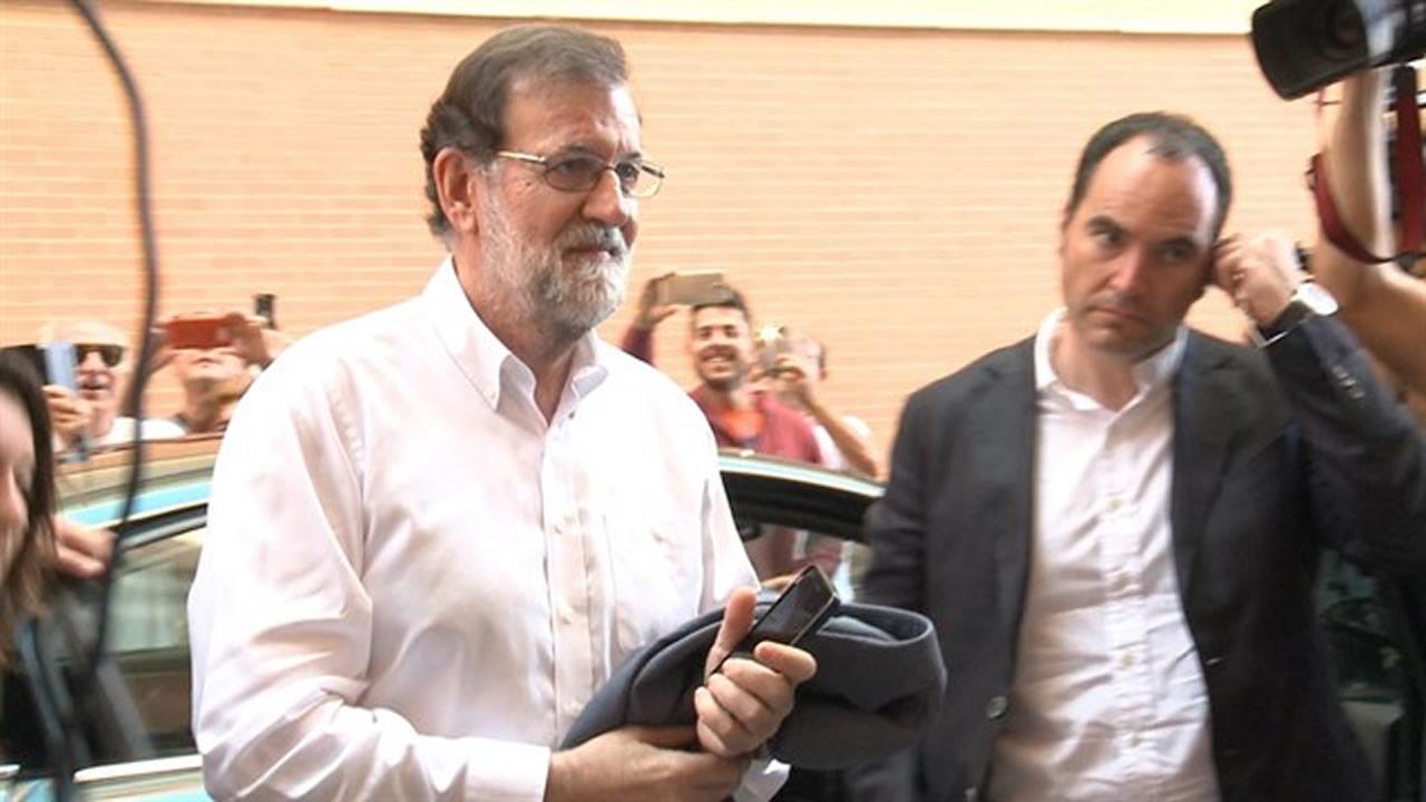 Rajoy retoma su trabajo como registrador de la propiedad for Trabajo cocina asturias