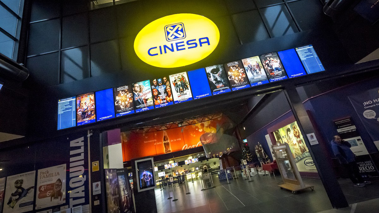 Los cines asturianos repercuten la bajada del iva al for Cine capitol precio entrada