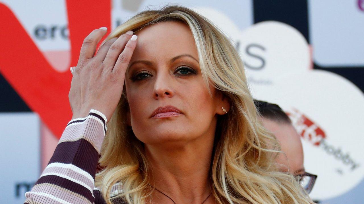 Actrices Porno Con Nombre De Una Palabra stormy daniels, la actriz porno del escándalo de trump