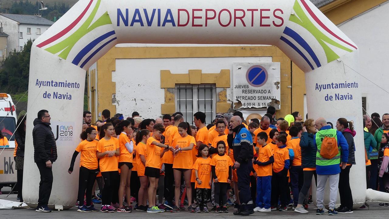 Una Marea Naranja Contra El Cáncer Infantil Desborda Asturias