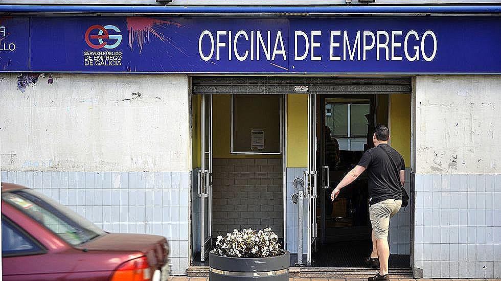 Menos del 5 de los gallegos con empleo lo encontraron en for Oficina empleo oviedo