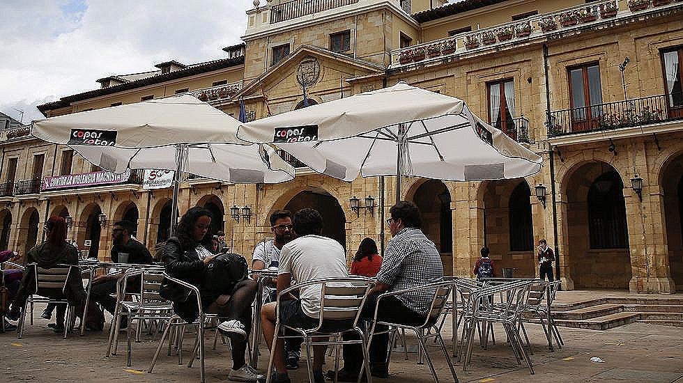 Oviedo modifica la pol mica ordenanza de terrazas for Terrazas oviedo