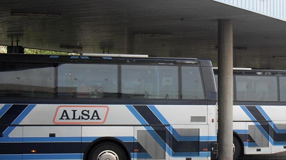 Alsa bate r cords de pasajeros y supera la barrera de los for Oficina alsa oviedo