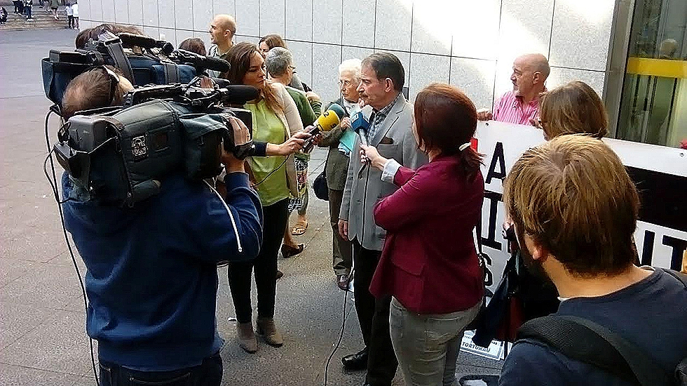 Gerardo Iglesias a la entrada del juzgado