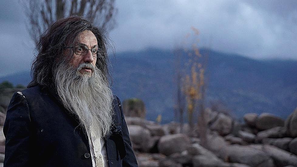 José Mota, caracterizado como un Mariano Rajoy náufrago y perdido en una isla.